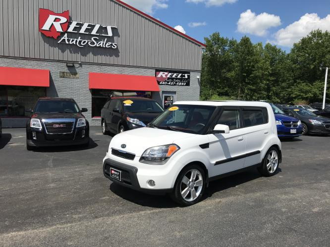2010 White /Red Kia Soul ! (KNDJT2A28A7) with an 2.0L L4 DOHC 16V engine, located at 11115 Chardon Rd. , Chardon, OH, 44024, (440) 214-9705, 41.580246, -81.241943 - Photo #0