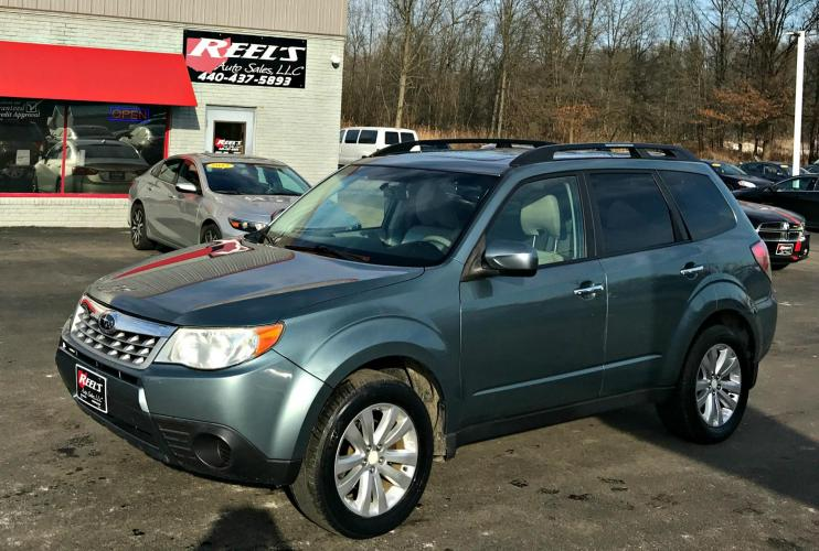 2012 /Tan Subaru Forester 2.5X Premium (JF2SHADC4CH) with an 2.5L H4 SOHC 16V engine, 4-Speed Automatic transmission, located at 547 E. Main St., Orwell, OH, 44076, (440) 437-5893, 41.535435, -80.847855 - Photo #0