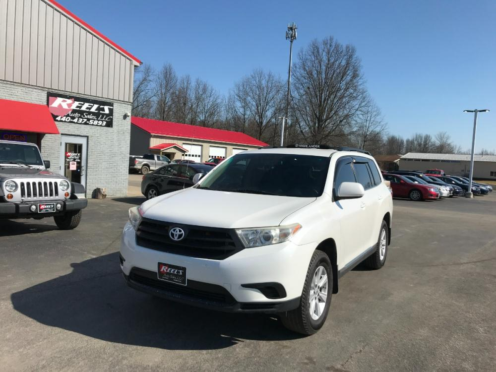 2012 White /Tan Toyota Highlander 4WD (5TDBK3EH3CS) with an 3.5L V6 DOHC 24V engine, 5-Speed Automatic transmission, located at 547 E. Main St., Orwell, OH, 44076, (440) 437-5893, 41.535435, -80.847855 - Photo #0